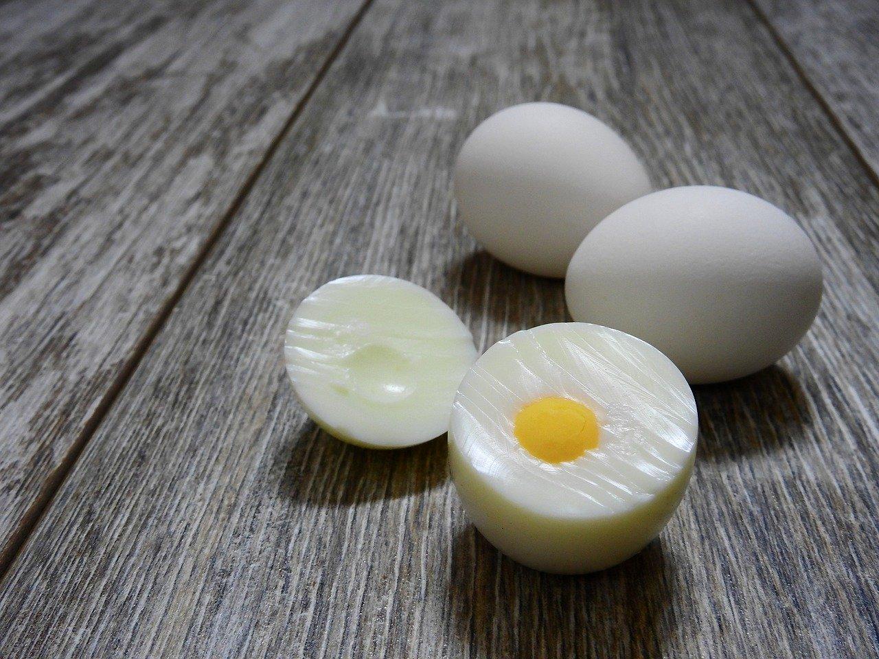 Frittierte Eier in Kokoshülle selber machen